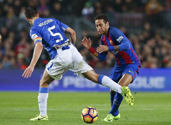 Mourinho muon nang cap hang cong bang Neymar hinh anh 1
