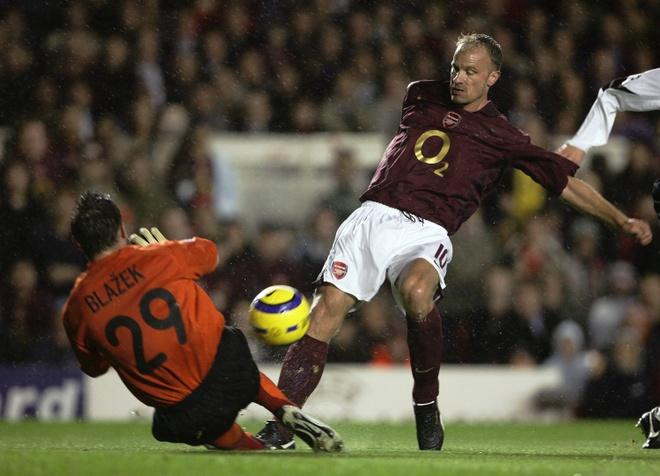 Tron 15 nam tuyet pham Dennis Bergkamp anh 3