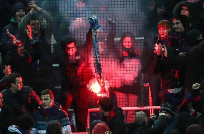 Bao luc bung phat o tran CSKA Moscow gap Zenit hinh anh 1