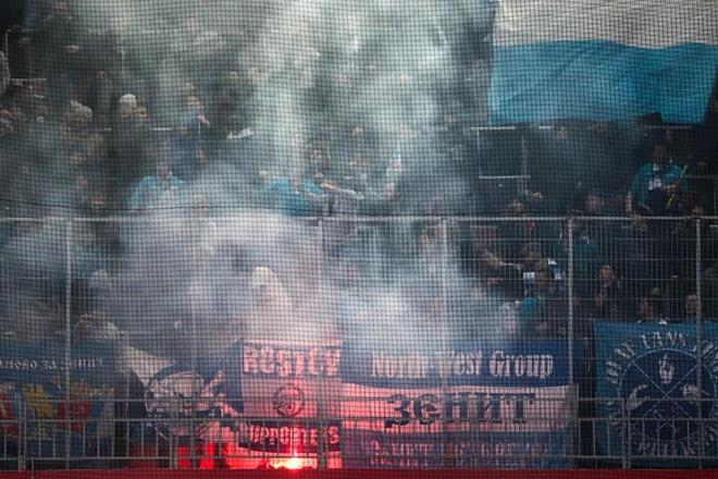 Bao luc bung phat o tran CSKA Moscow gap Zenit hinh anh 10