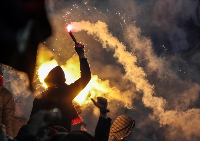 Bao luc bung phat o tran CSKA Moscow gap Zenit hinh anh 6