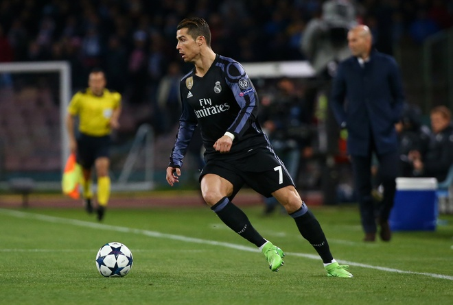 Pha hong an kho tin cua Ronaldo truoc Napoli hinh anh 1