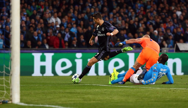 Pha hong an kho tin cua Ronaldo truoc Napoli hinh anh 2