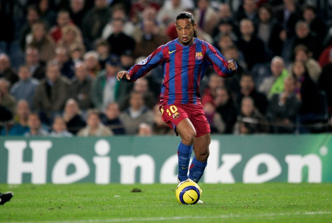 Fan Viet don cup Champions League cung Ronaldinho anh 1