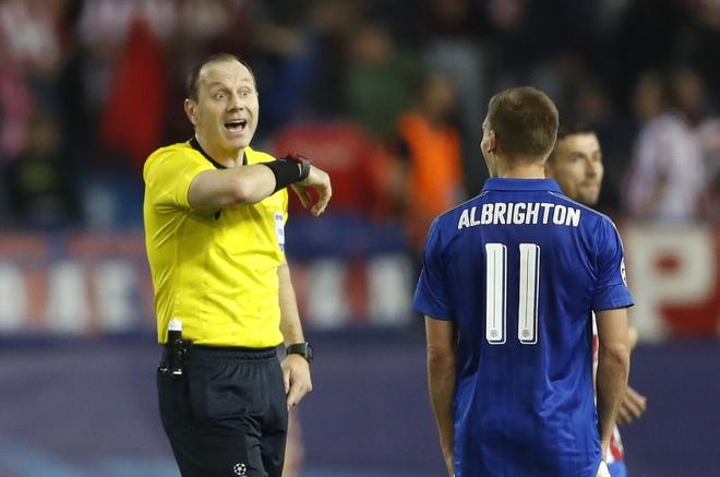 'Trong tai sai lam, cau thu Leicester kho dai' hinh anh