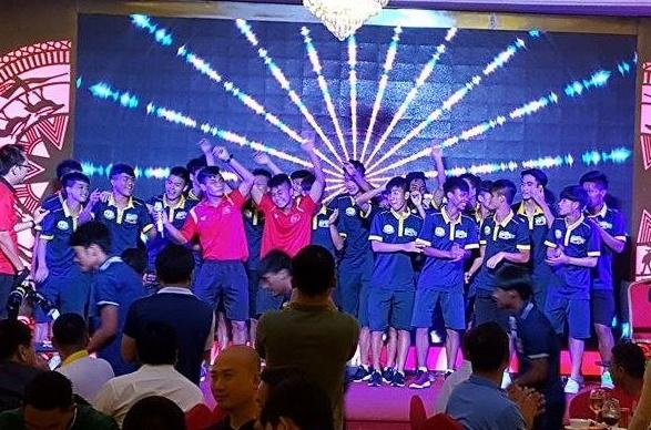 U19 HAGL quay tung trong gala U19 quoc te 2017 hinh anh