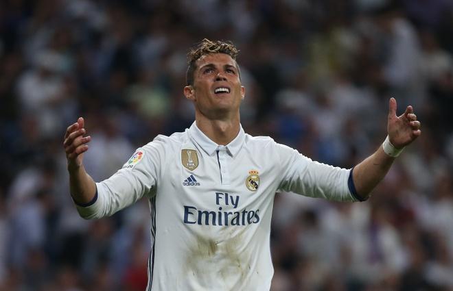 Thua Barca, Ronaldo quat dong doi trong phong thay do Real hinh anh 1