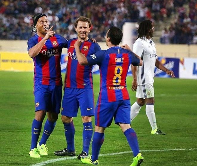 Ronaldinho kien tao ma thuat giup Barca ha Real hinh anh 1