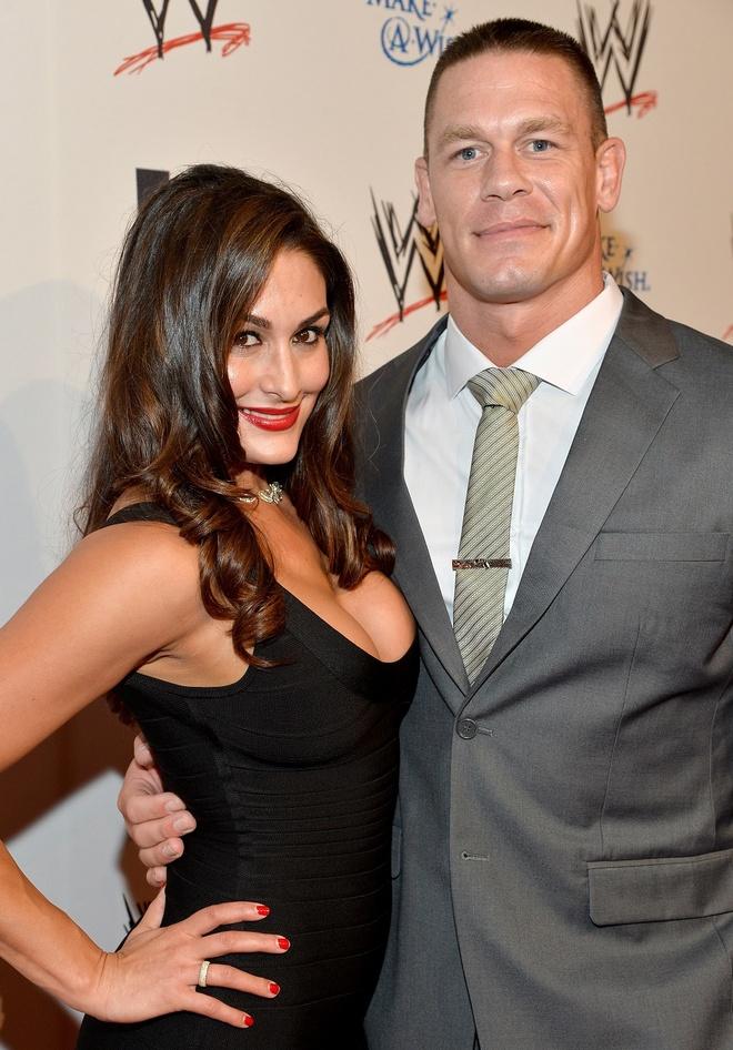 Nu do vat goi cam mang tin buon cho khan gia WWE hinh anh 1