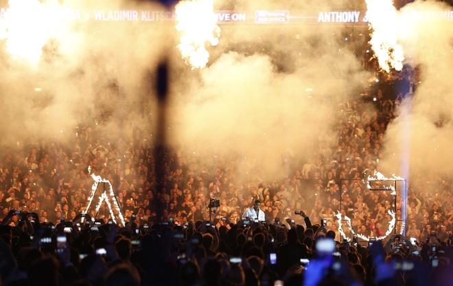 Tuong dai Wladimir Klitschko bi suc tre Anthony Joshua ha knock-out hinh anh 2