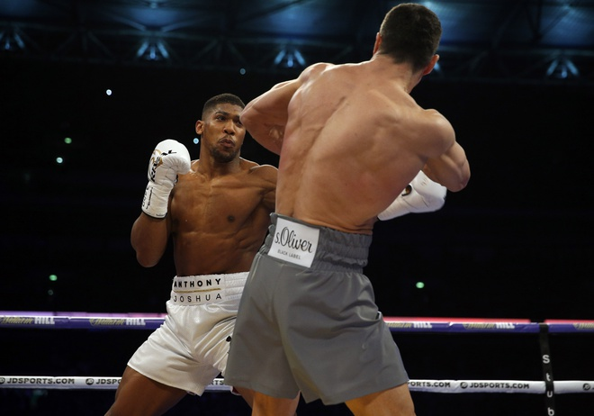 Tuong dai Wladimir Klitschko bi suc tre Anthony Joshua ha knock-out hinh anh 4