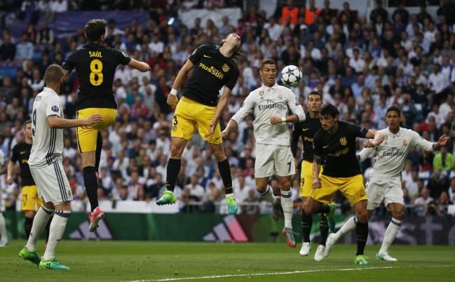 Ronaldo cho trong tai de xac minh viet vi hay khong o pha mo ty so hinh anh 2
