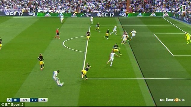 Ronaldo cho trong tai de xac minh viet vi hay khong o pha mo ty so hinh anh