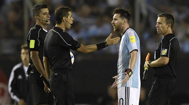 FIFA go bo an phat nang cua Messi anh 1
