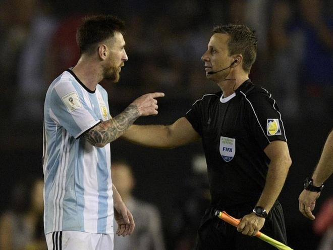 FIFA go bo an phat nang cua Messi hinh anh