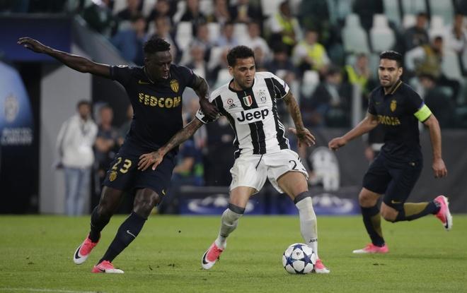 Voi Dani Alves, Juventus tim thay 'Messi 0 dong' hinh anh 3