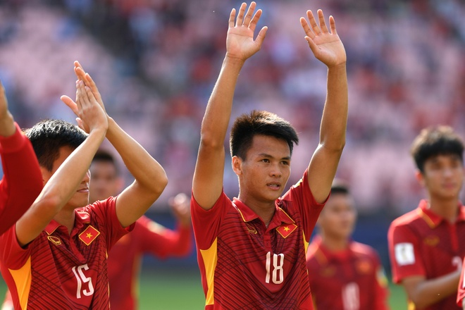 'U20 Viet Nam thi dau con hien qua' hinh anh