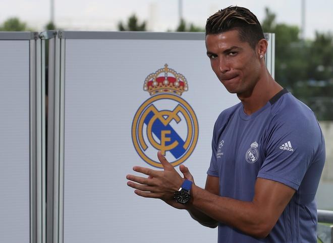 Zidane giup Ronaldo vi dai hon bang vai loi noi hinh anh 3