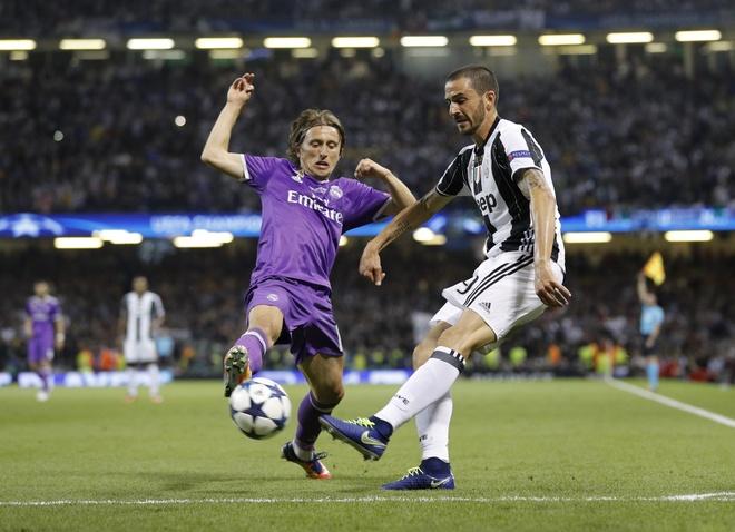 Xin loi Ronaldo, so dien la cua Modric hinh anh 3