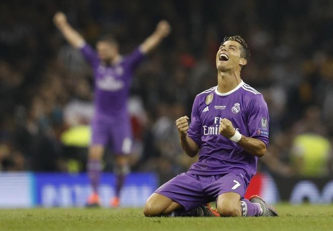 'The gioi lai duoi chan Ronaldo va Real Madrid' hinh anh