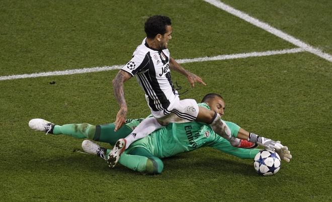 Noi bo Real Madrid gian tiep khien vu De Gea do be? hinh anh 1