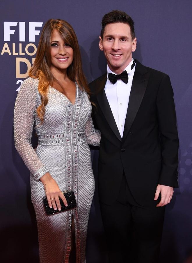 Messi khong moi thay Enrique du dam cuoi hinh anh 1