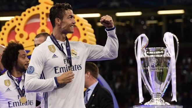Ronaldo tot cho MU hon Morata hinh anh