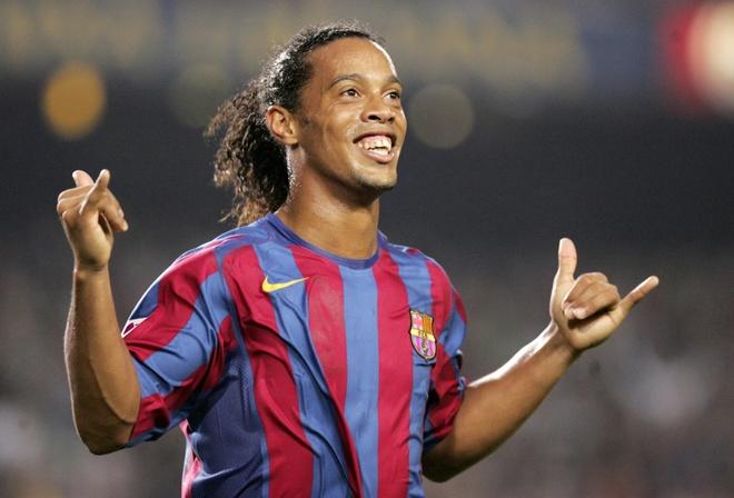 Lo ly do vi sao MU khong the co Ronaldinho? anh 1
