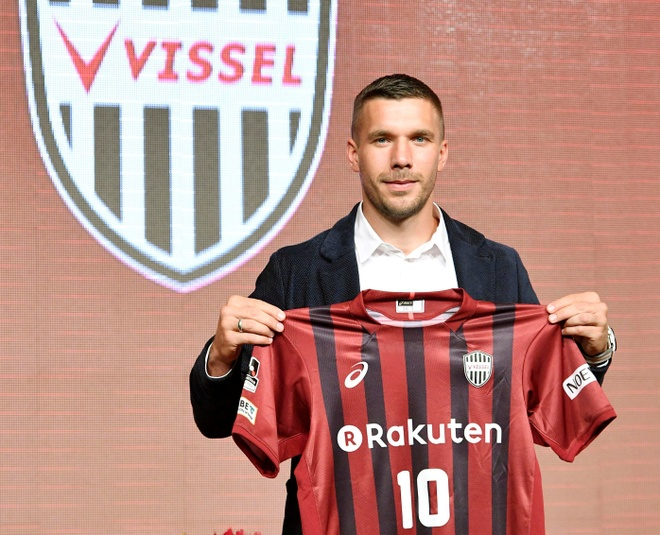 Podolski: Cach dam phan cua CLB Trung Quoc nhu toi pham hinh anh