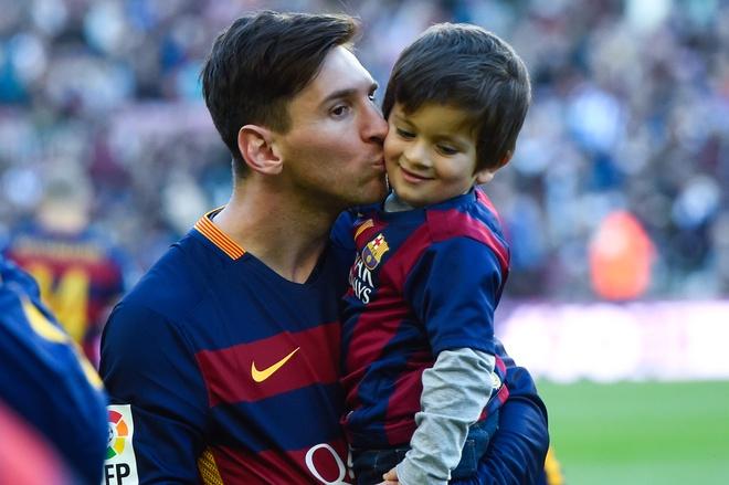 Barca don Juventus: Cho Messi pha dop hinh anh 1