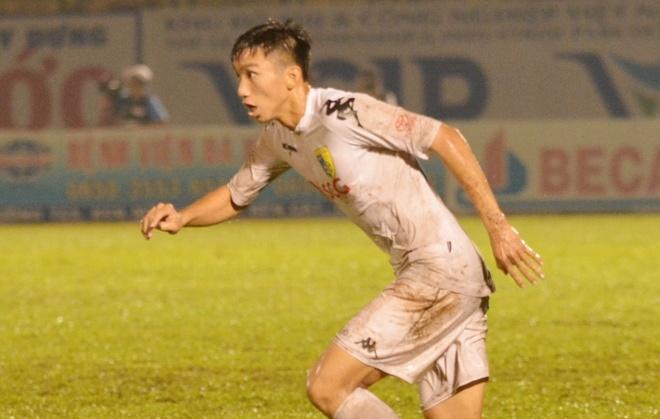 Vua ve nuoc, Doan Van Hau phai ra san 'cay ai' o V.League hinh anh