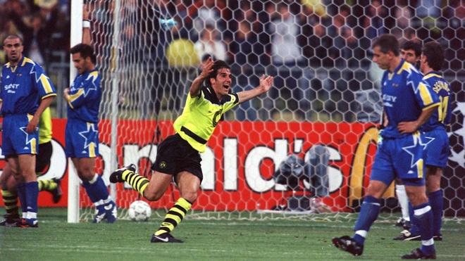Huyen thoai Dortmund: Tranh cai lam cuoc chien Messi-Ronaldo nong hon hinh anh 1