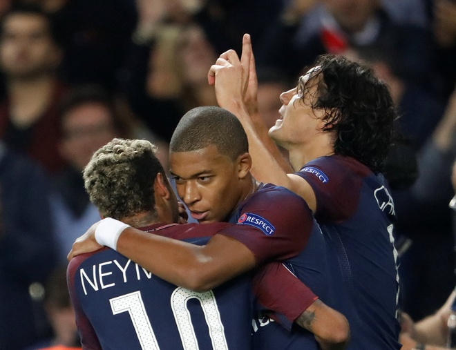 Mbappe lung linh giua vong xoay quyen luc o PSG hinh anh