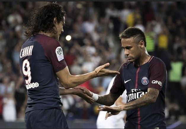Neymar va Cavani danh lua khan gia, song ngam chua yen hinh anh