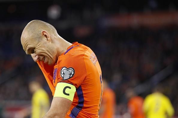 Ha Lan suy thoai, Ronaldo - Messi se 'lat' nguoi Duc tai World Cup? hinh anh