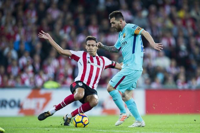 'Chao mung den nuoc cong hoa Messi' hinh anh