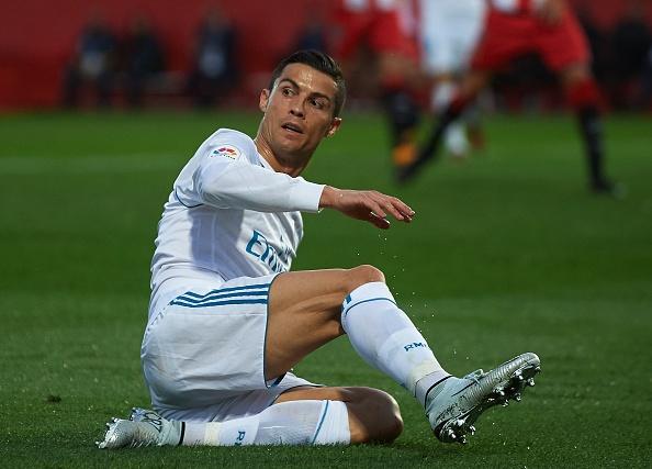 Tu thang 10, Real Madrid la ke thua cuoc truoc Barca? hinh anh