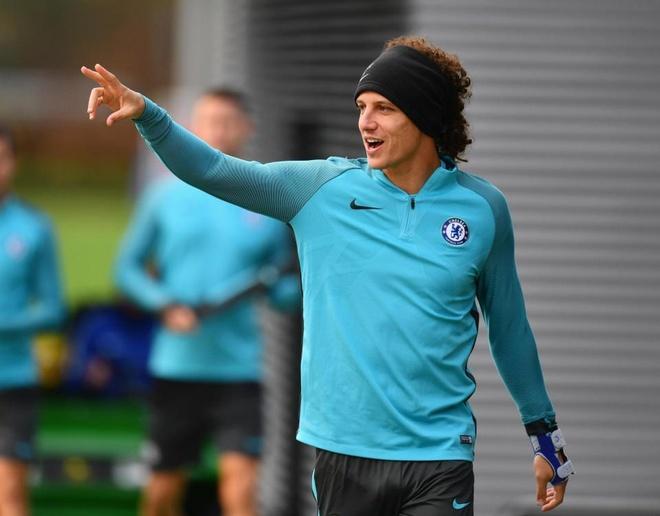 HLV Conte dung 'ban tay sat' de tri David Luiz hinh anh 2