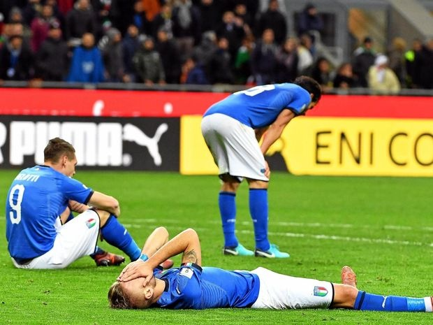 Michael Ballack ha he voi that bai cua Italy hinh anh 2