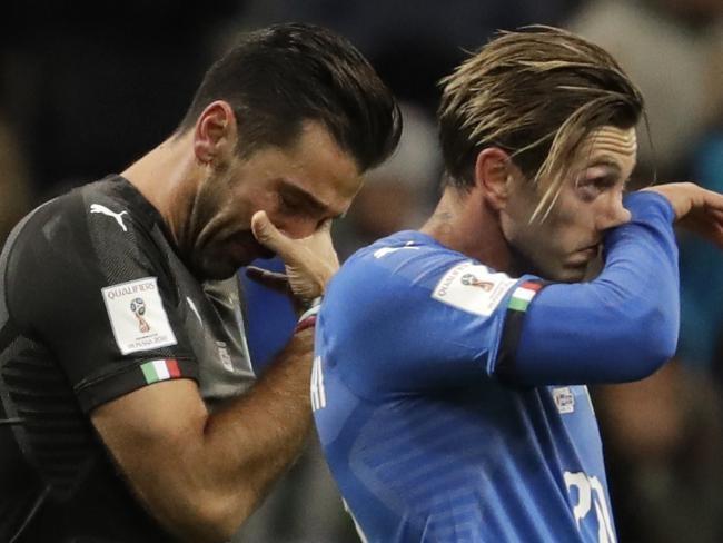 Dung than khoc cho Italy, ho xung dang nhu the hinh anh