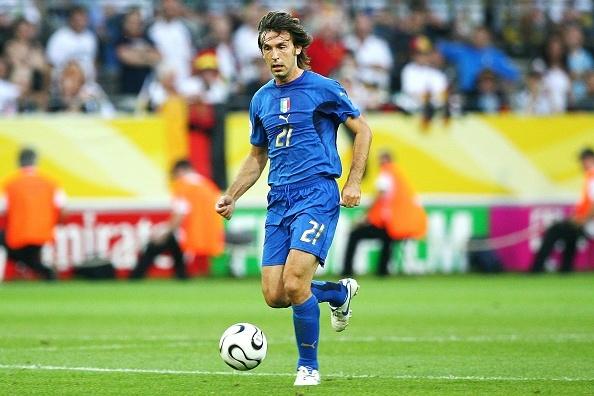 Trong dau don, nguoi Italy moi nho Pirlo hinh anh 1