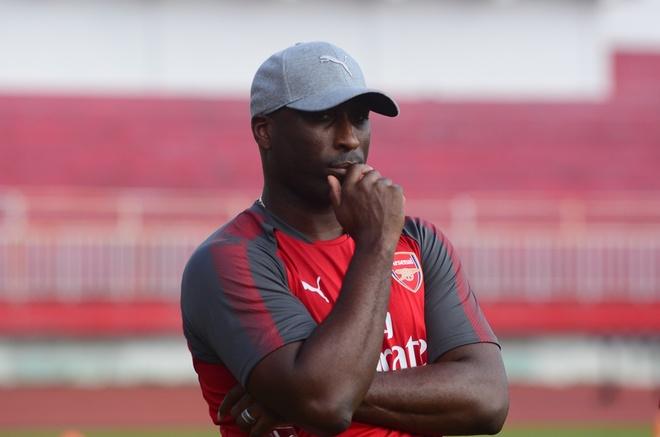 Huyen thoai Arsenal san sang toi Viet Nam lam viec hinh anh 1