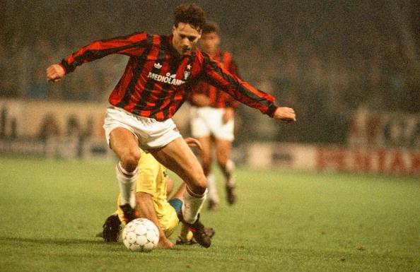 Viet cho AC Milan: Hay nho Van Basten, Kaka tung hien dien hinh anh