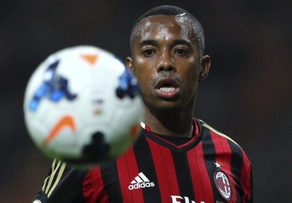 Robinho van song ung dung truoc an tu lo lung hinh anh 2