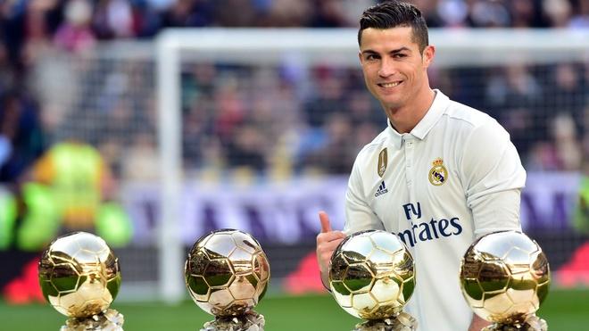 Chuyen gia 442: 'Ai xung dang gianh Qua bong vang hon Ronaldo?' hinh anh