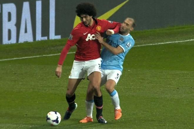 Fan Man City: Mourinho se cu Fellaini de 'khu' De Bruyne hay Silva hinh anh 1