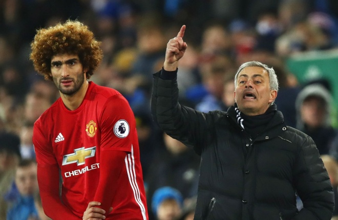 Fan Man City: Mourinho se cu Fellaini de 'khu' De Bruyne hay Silva hinh anh