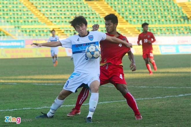 Dai dien Nhat Ban co 'ban tay nho' truoc U21 Myanmar hinh anh 7