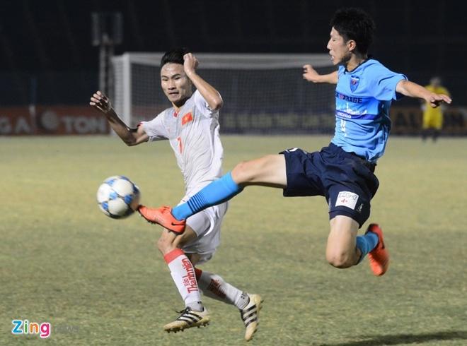 U21 Viet Nam bat luc truoc suc manh CLB Nhat Ban hinh anh 1