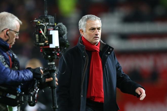'Mourinho mat kiem soat phong thay do MU' hinh anh 1